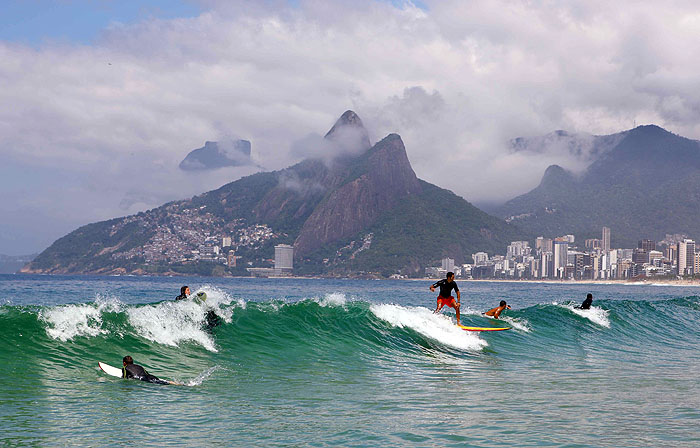 BR09BB_ipanema-residence-Surf-point-in-front-of-the-building.jpg [© Last Frontiers Ltd]