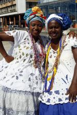 Baian women in traditional dress