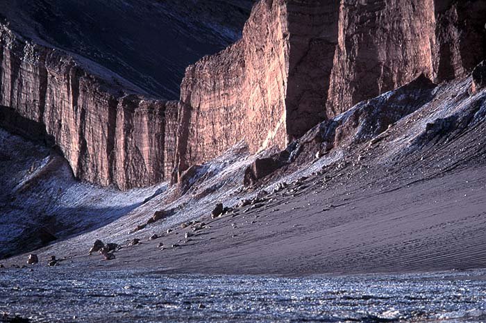 Bob_Pearson_Valley_Moon_Chile.jpg [© Last Frontiers Ltd]