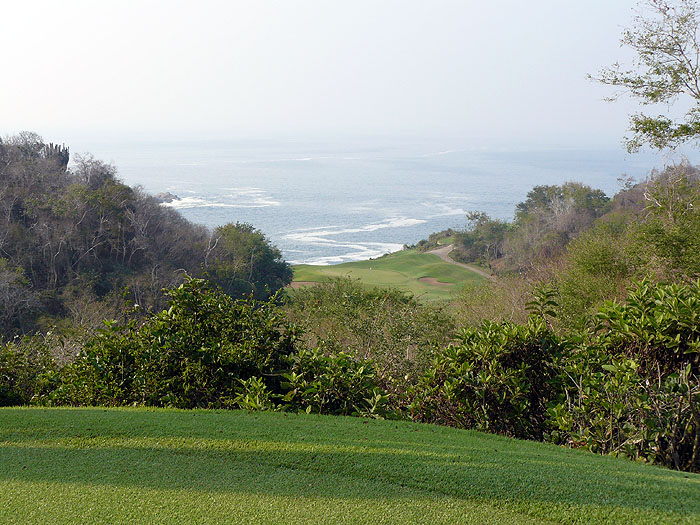MX0507SM629_golf_course_el_tamarindo.jpg [© Last Frontiers Ltd]