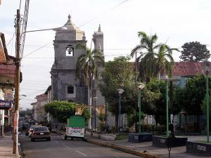 León and Managua image